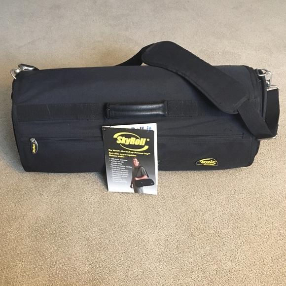 7609ec0ab16d Skyroll Garment Bag Carry-on. M 5c3a2e87de6f6261568e87ef
